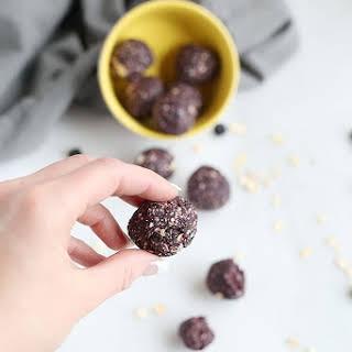 3 Ingredient blueberry muffin energy balls.