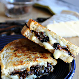 Grilled Brie Cheese with Smoky Portobellos and Caramelized Onions #SundaySupper.