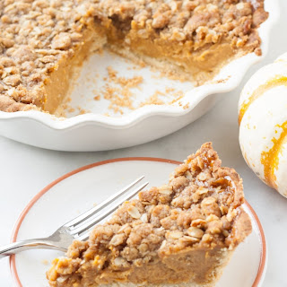 Maple Pumpkin Pie with Streusel Topping