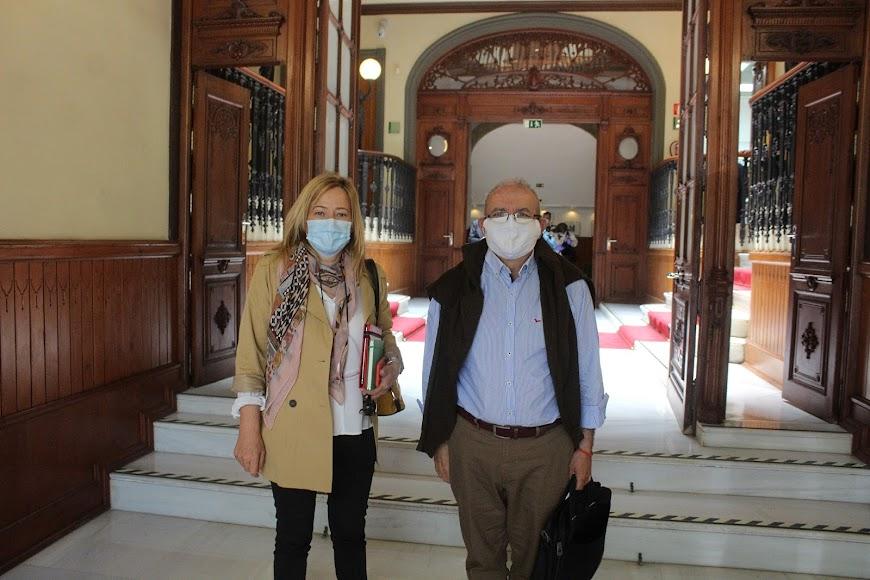 La alcaldesa de Níjar, Esperanza Pérez; y el alcalde de Vícar, Antonio Bonilla.