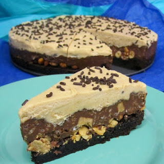 Peanut Butter Cup Crunch Brownie Mousse Pie