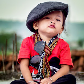 Funny little girl by Achmad Sutanto - Babies & Children Child Portraits ( #play, #child, #funny, #kid )