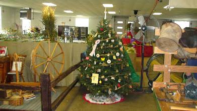 Photo: Old Timer's Grand-Prize Christmas Tree Award
