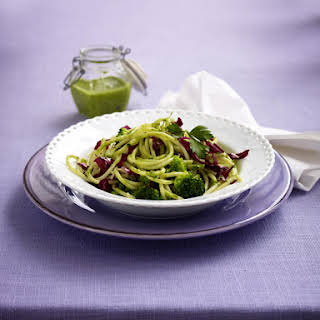 Spaghetti with Parsley Pesto and Broccoli.