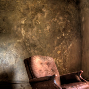 Abandoned chair by Russ Crane - Artistic Objects Furniture ( chair, hdr, jail, mansfield, reformatory )
