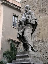 Photo: Palermon katedraalin edessä.