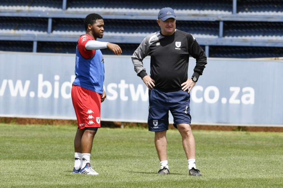 'I hope we sign Thandani Ntshumayelo'' says Wits coach Gavin Hunt