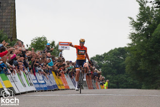 Photo: 24-06-2017: Wielrennen: NK weg vrouwen: MontferlandChantal Blaak wint NK vrouwen (Boels Dolmans Cycling Team), tweede Anouska Koster (WM3 Procycling Team), derde Floortje Mackaij, finish