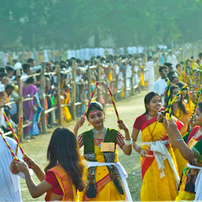 HOLI by Soumyadip Maity - People Street & Candids ( basnta, utsav, color, india, pwcemotions, bengal, shantiniketan, people, crowd, humanity, society,  )