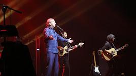 José Luis Perales durante el concierto que ofreció en El Ejido en enero de 2017. (Foto: Toñi Indalecio Fernández)