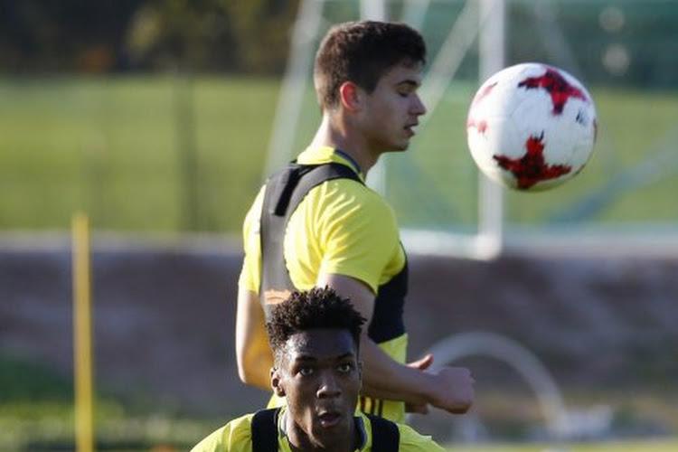 Weiler laat één jongere met mondjesmaat proeven van profvoetbal