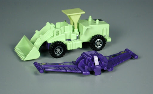 Action figure:Scrapper (Evil Decepticon)