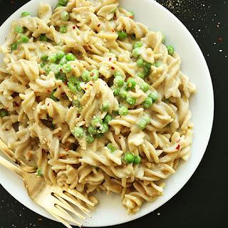 30-Minute Vegan Alfredo (Vegan + GF)