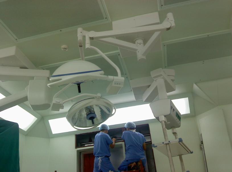 Ngày nay rất nhiều bệnh viện, phòng khám sử dụng cửa tự động phòng mổ