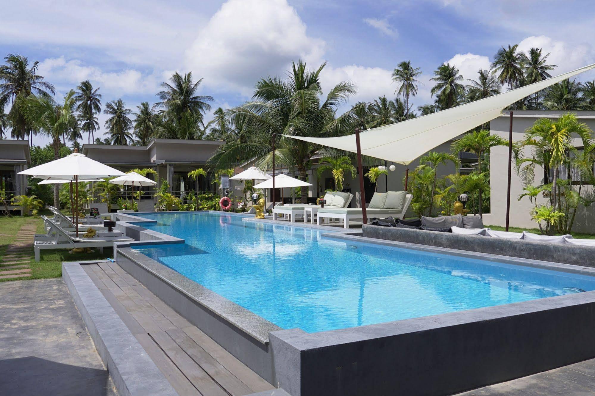 CoconutsPalm Resort