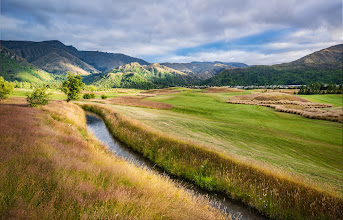 Photo: The Hills in New Zealand  I just went out to The Hills, which is a beautiful club here between Queenstown and Arrowtown. After we took some shots, +Tom Andersonand I ran into Sir Michael Hill, the brave knight who built this amazing place...