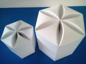 Photo: Caixas (21) grande e pequena para produtos diversos (visão de cima).