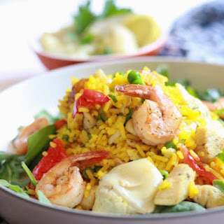 Easy Chicken and Shrimp Paella Salad with Garlic Vinaigrette.
