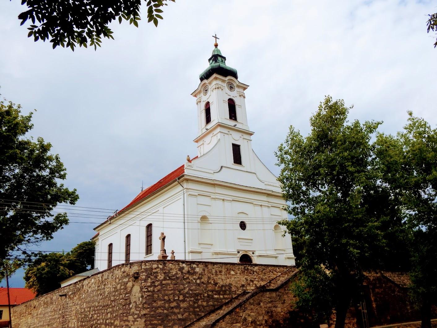 Etyek - Sarlós Boldogasszony rk. templom