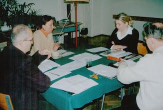 Photo: Egzamin dyplomowy z historii sztuki Anki Szuby, 04.2002 r. B.Szota-Rekieć, M.Marmur, A.Szewczyk