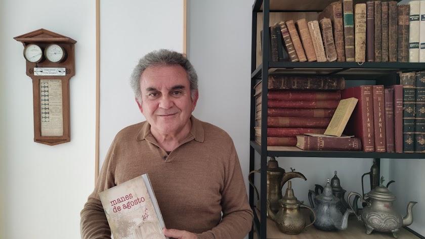 El autor de la novela histórica publicada.