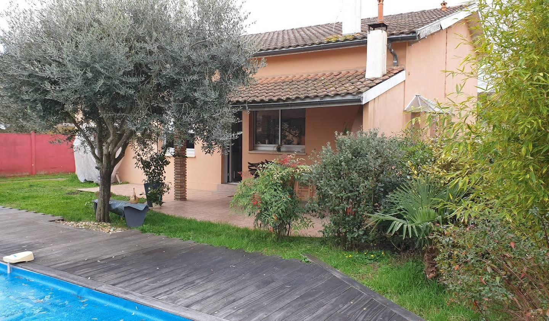 Maison avec piscine et jardin Begles