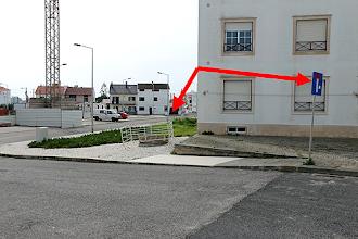 Photo: Sinal de rua sem saída quando afinal tem passagem