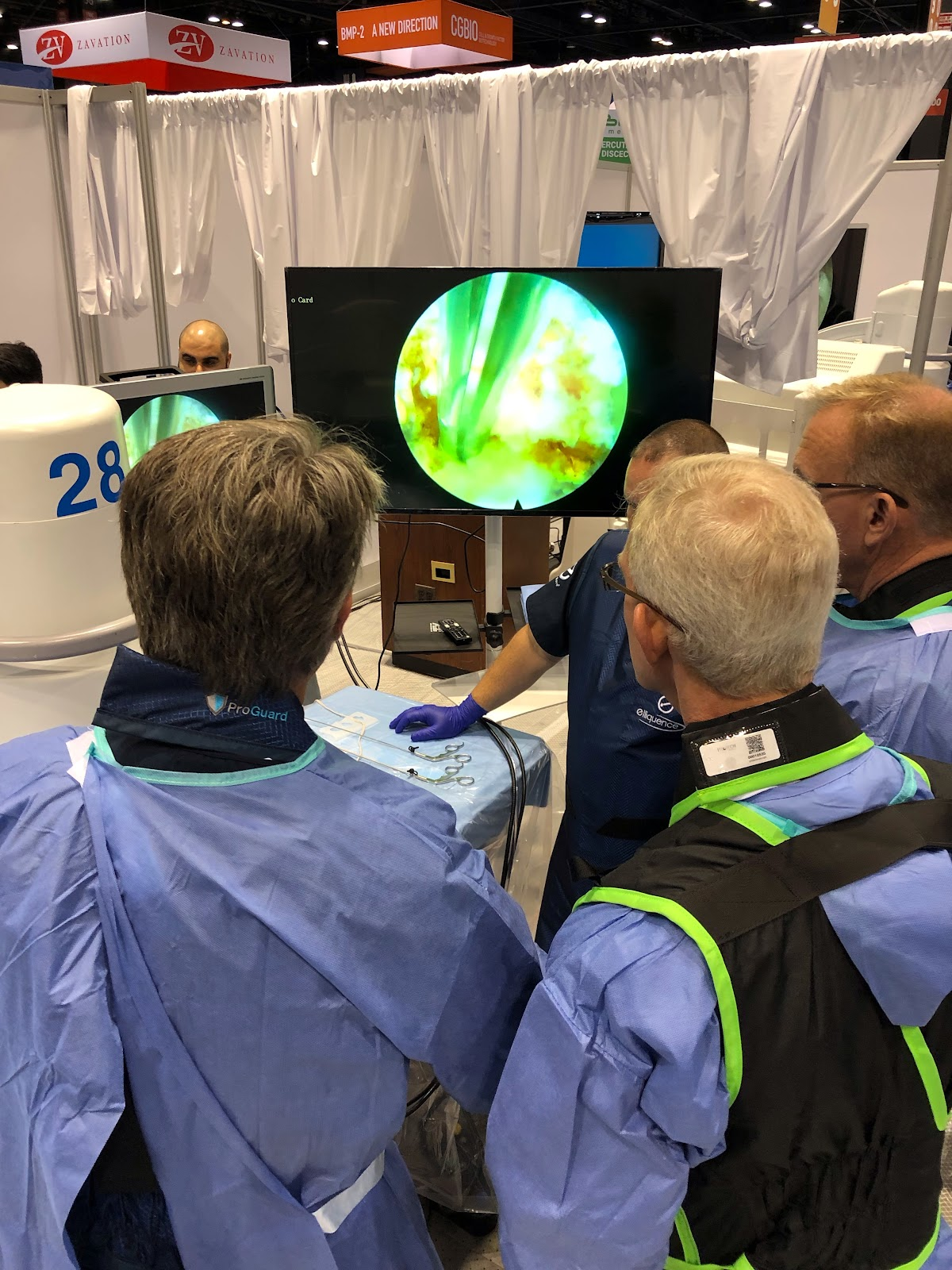 Dr. Hanson instructs a hands-on workshop at the NASS conference in Chicago, IL.
