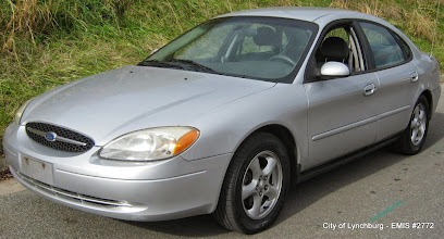Photo: Lot 6 - (2772-1/5) - 2003 Ford Taurus - 98,497 miles