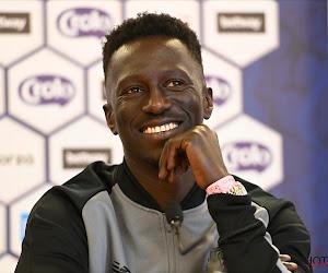 OFFICIEEL: Mbaye Leye verlengt contract en blijft ook na dit seizoen trainer van Standard