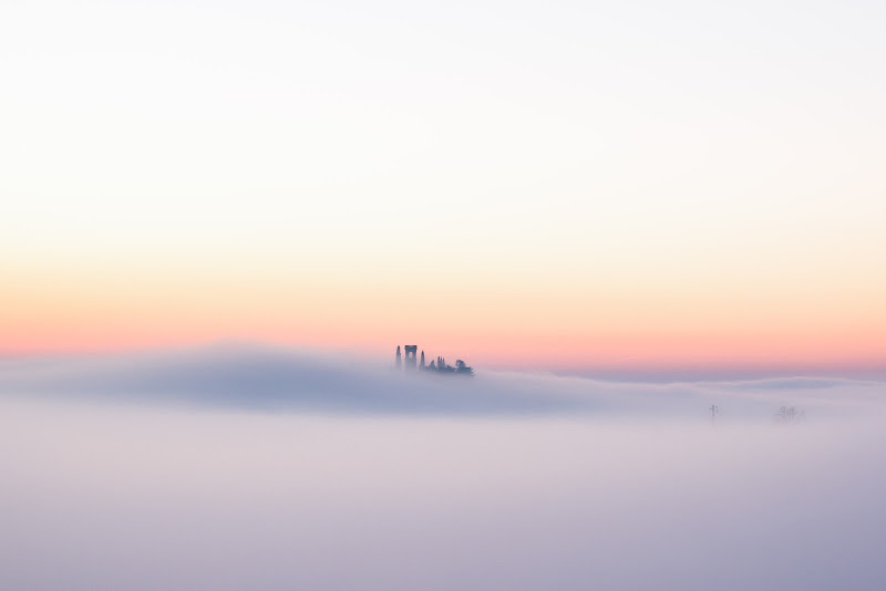 Anche la nebbia ha il suo fascino  di Schivio