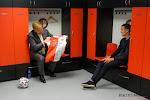 """📷 Geweldig: Ajax reageert prompt op Feyenoord dat koning Willem-Alexander een shirt gaf en doet nu hetzelfde bij Maxima: """"Deze kunt u ook doorgeven"""""""