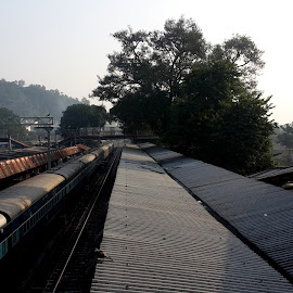 railways by Neil Mukhopadhyay - Instagram & Mobile Android