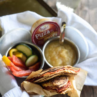 Grilled Pizza Hummus Sammies.