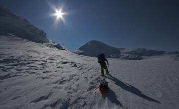 Photo: Summit Plateau !!! 5000 m. East Peak of Mount Logan at the back!