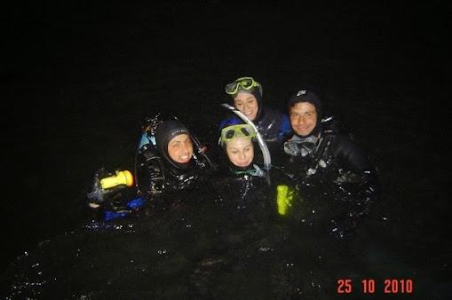 2010-10-25 Buceo Nocturno 1