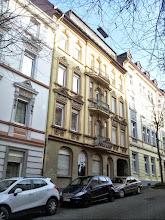 Photo: Haus Christian-Rohlfs-Straße 1 mit nachkriegsüblichem Dachgeschoß.