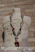 Photo: collana cuori lino greggio e rosso