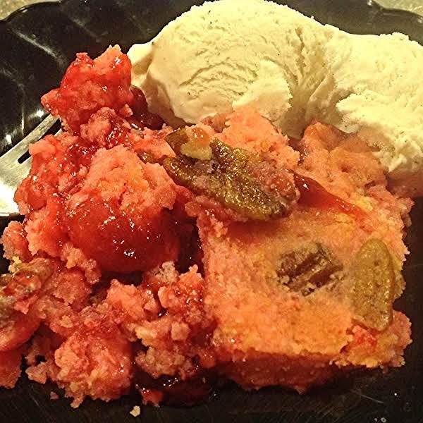 Strawberry Rhubarb-pecan Crunch Dessert Recipe