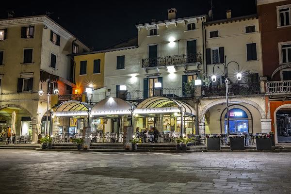 .. Notte in Piazza .. di enricosottocorna