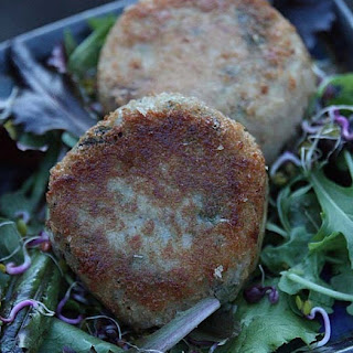 Fishless Japanese Sea Vegetable and Nori Cakes.
