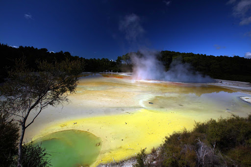 Ponant-NZ-Tauranga2.jpg - Visit the unearthly Waiotapu springs in New Zealand on your next Ponant cruise.