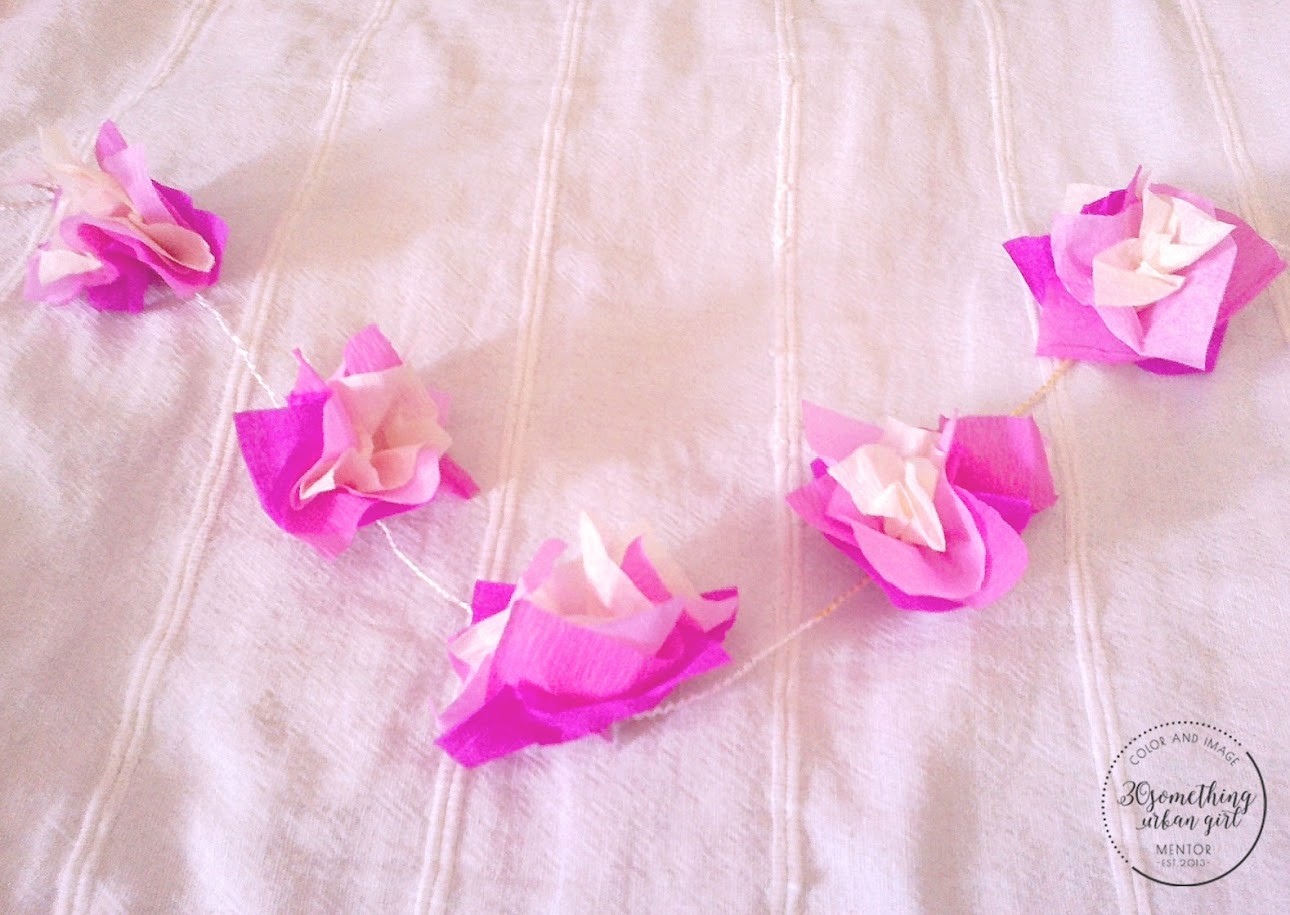 How to make paper hawaii lei diy 30 something urban girl diy how to make paper hawaii lei necklace izmirmasajfo
