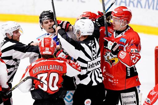 <p>Sport kämpade men lyckades inte vinna några poäng mot Kärpät. <br></p>