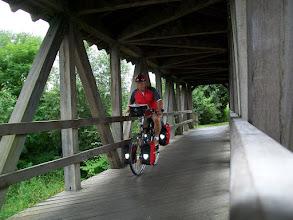 Photo: 3e Dag, zaterdag 18 juli 2009; Remagen - Sankt Goar Dag afstand: 84,4 km, Totaal gereden: 299 km. Houten brug over een zij rivier langs de Rijn.