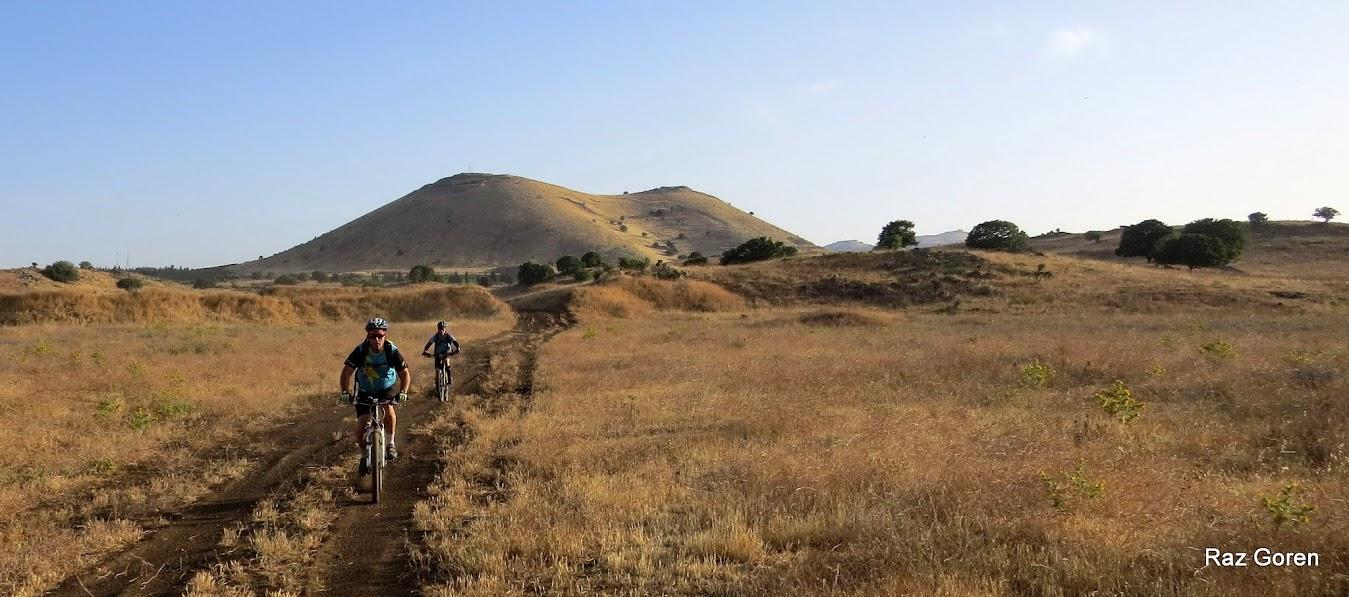 בדרכי הטנקים בין הר שיפון לרמתנייה