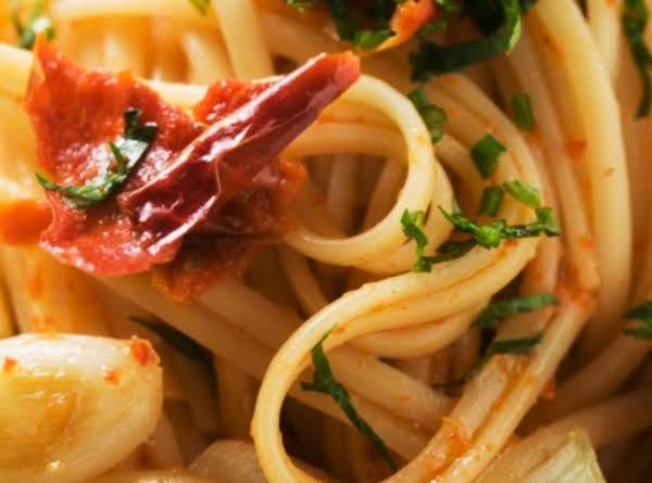 Linguine With Seafood And Sun-dried Tomatoes