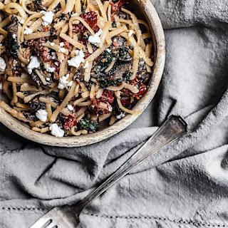 Linguine with Sundried Tomato & Mushroom