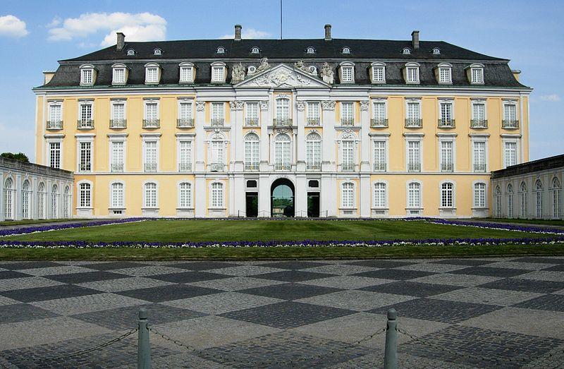 File:Brühl Augustusburg Westflügel.jpg