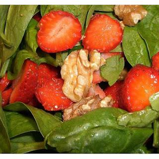Spinach-Strawberry-Walnut Salad